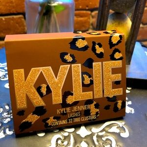 💄 Kylie Purrrfect Lashes